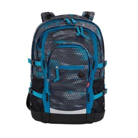 rucksack mit blauen karos